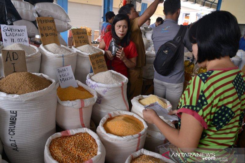 Harga Kebutuhan Pokok Pasar Murah Natal Lebih Rendah Sekitar 20 Persen
