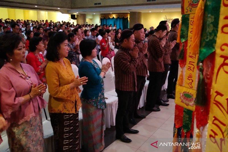 Perayaan Waisak doakan kebijaksanaan pejabat negara dan legislator