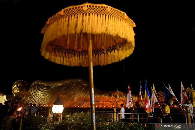 Perayaan Hari Tri Suci Waisak di Trowulan