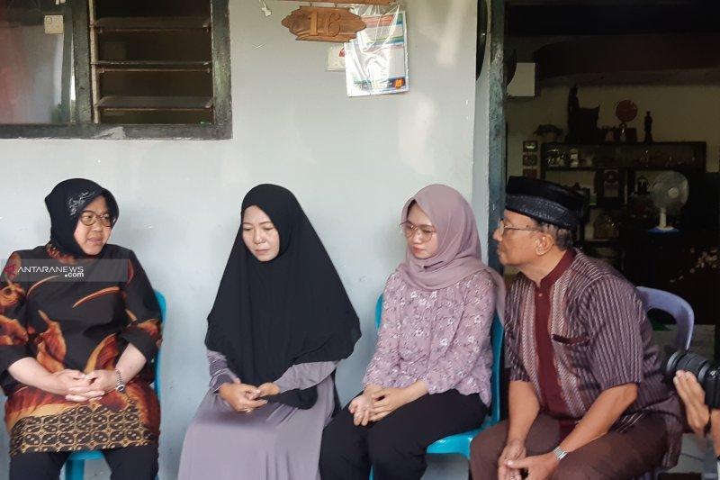 Risma kunjungi keluarga almarhum Sekretaris PPS