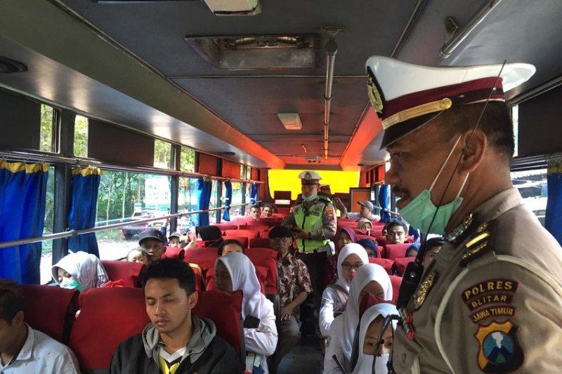 Polisi Blitar razia kendaraan antisipasi massa aksi