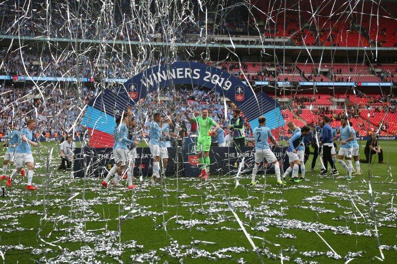 City juara Piala FA, berkah bagi MU