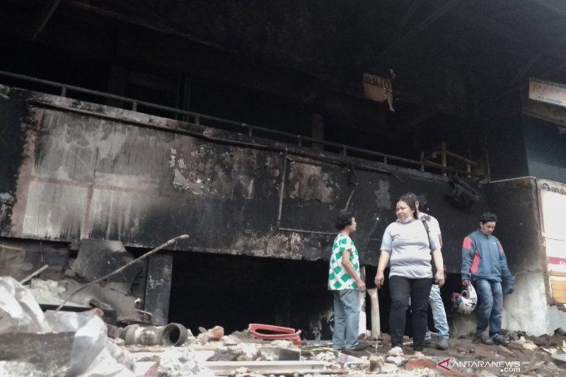 Api kebakaran Pasar Kosambi akhirnya padam setelah 40 jam