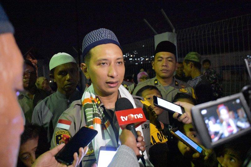 Warga Tanjung Sari Luwuk kembali berbaur bersama Polri
