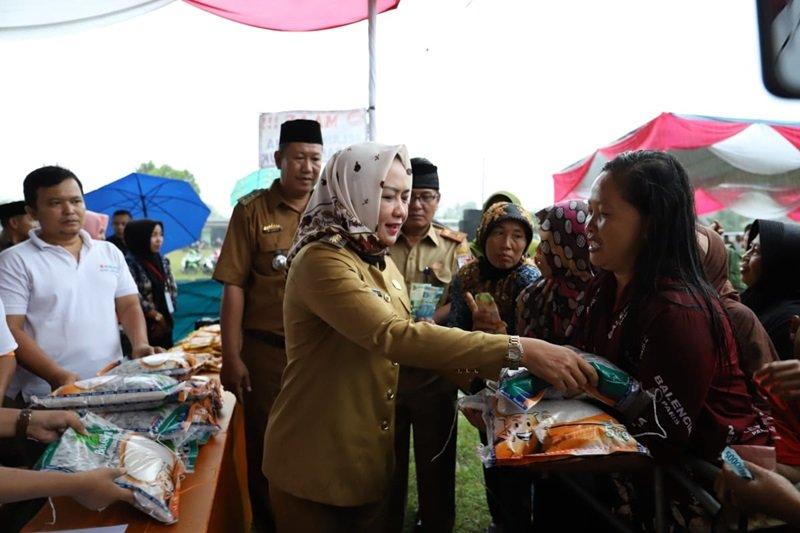 Masyarakat Tulangbawang antusias sambut pasar murah