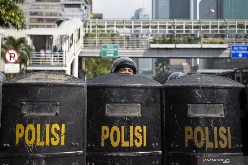 Aparat keamanan masih bersiaga di Petamburan walaupun sudah kondusif