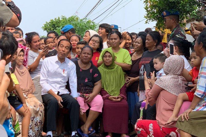 Jokowi sampaikan pidato kemenangan di Kampung Deret