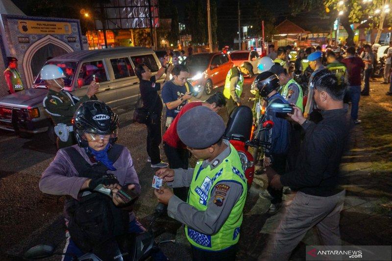 Antisipasi pergerakan massa ke Jakarta, TNI-Polri gelar razia di jalur Pantura