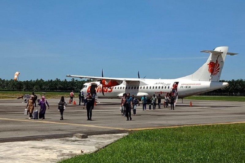 Sebagian besar Pemudik di Aceh Barat pilih mudik Lebaran terbang transit Malaysia