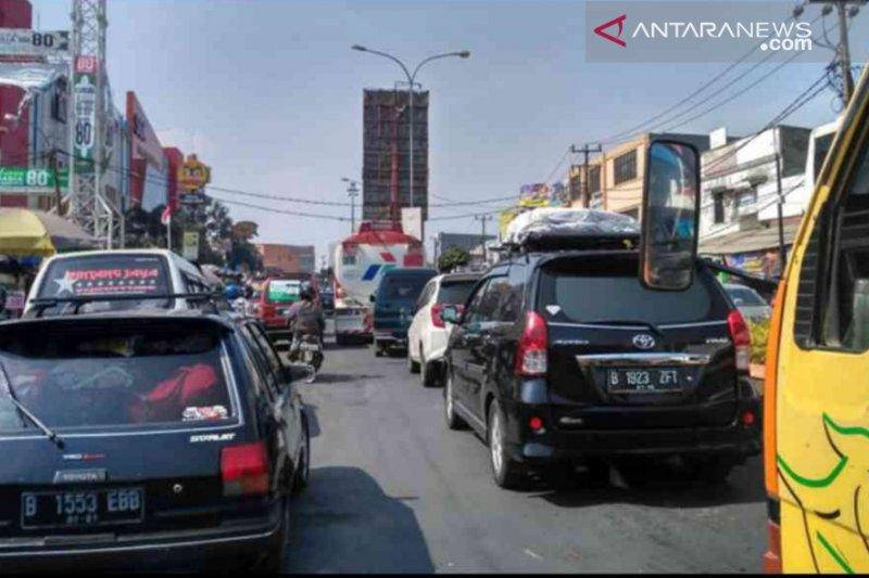 Pemberlakuan one way berimbas ke jalur arteri Bekasi
