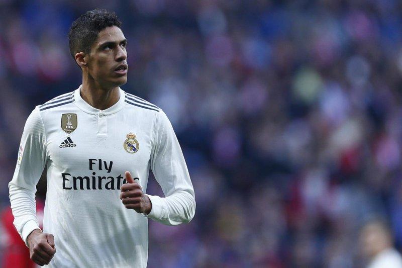 Varane tepis rumor akan tinggalkan Madrid