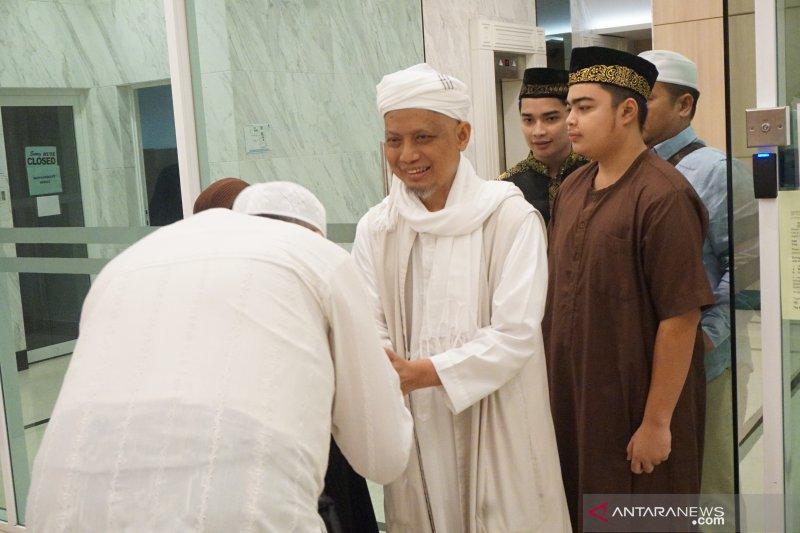 Jenazah Ustadz Arifin Ilham akan secepatnya dipulangkan ke Indonesia