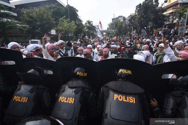IHSG ditutup melemah pasca-aksi demonstrasi ricuh