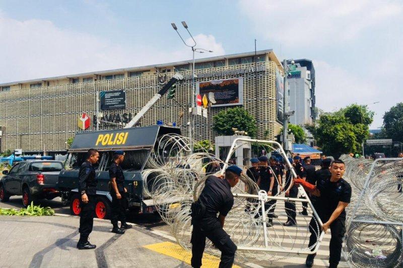 Polisi tambah kawat berduri di Bawaslu RI