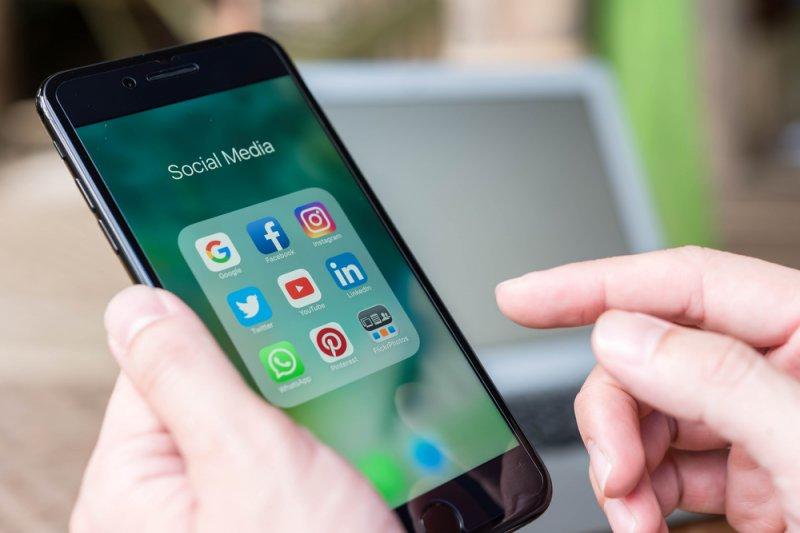 Pemerintah batasi  akses media sosial untuk sementara