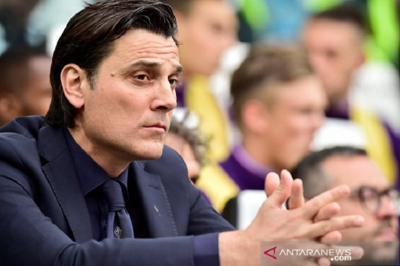 Diskorsing, Montella dilarang dampingi Fiorentina di laga terakhir