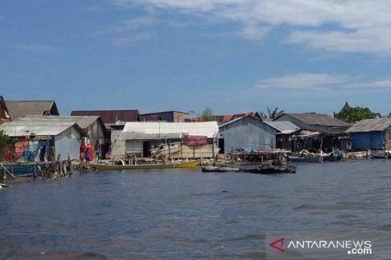 ACT membagi pangan di  Kabupaten Takalar