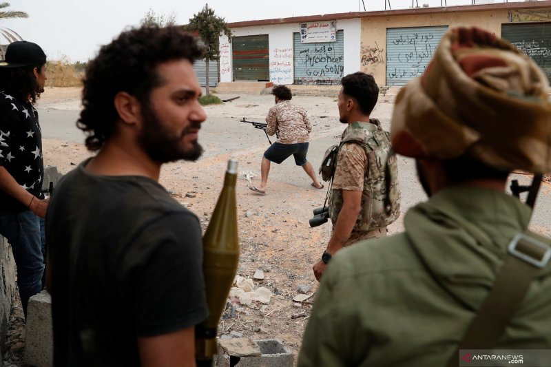 "Dua komandan pasukan Libya tewas diserang ""drone"""