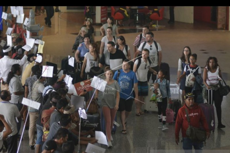 Hingga April, 1,86 juta wisatawan global lalui Bandara Ngurah Rai
