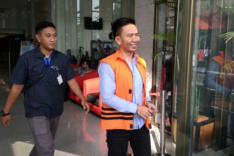 KPK pindahkan penahanan tiga tersangka suap proyek Kabupaten Mesuji