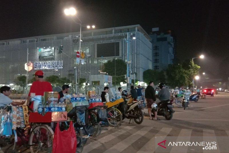 Kantor Bawaslu RI menjadi objek wisata dadakan warga