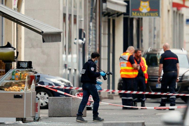 Polisi Prancis buru orang yang tinggalkan bom di Lyon