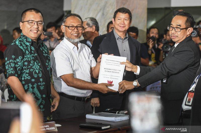 Mantan Hakim MK sebut narasi Bambang Widjojanto berbahaya