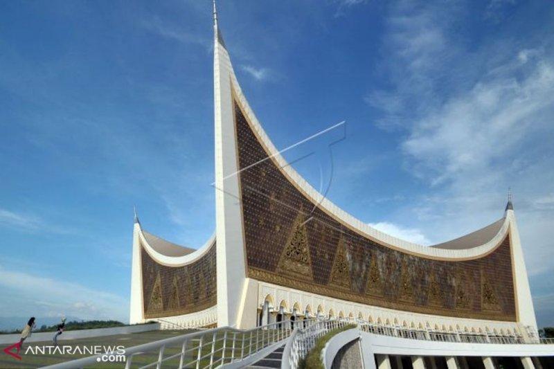 Masjid Raya Sumbar, perpaduan nilai Islam dan adat Minangkabau