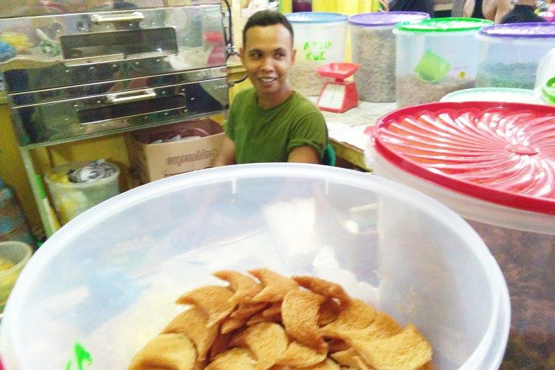 Jelang lebaran kue kering tradisional Aceh jadi buruan