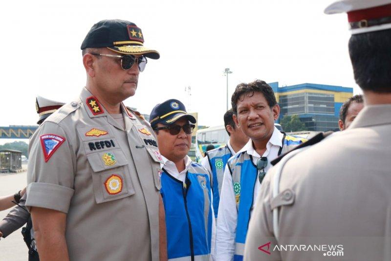 Proyek jalan tol Jakarta-Cikampek dihentikan selama arus mudik Lebaran