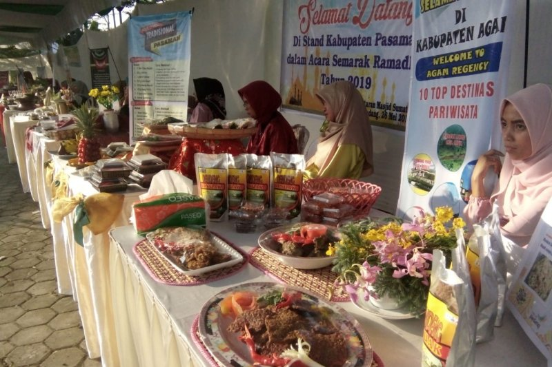 Pameran kuliner Minang digelar di Masjid Raya Sumbar