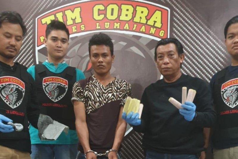 Polisi gerebek dua rumah produksi petasan di Lumajang