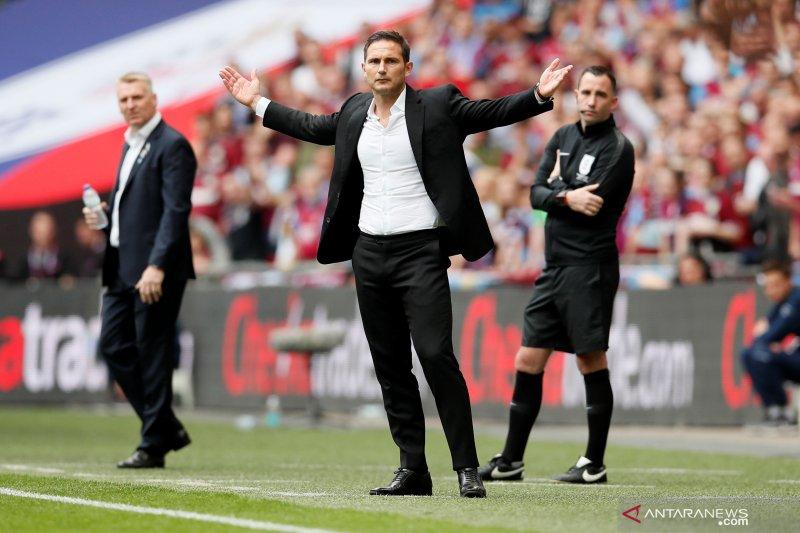 Chelsea resmi menunjuk Lampard sebagai pelatih baru
