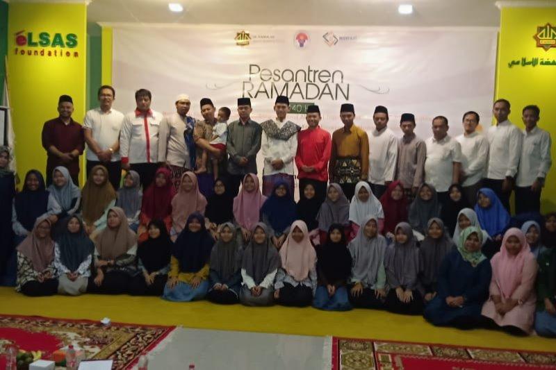 Kemenpora mengajak milenial ikuti pesantren Ramadhan