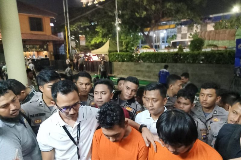 Polrestro Jakarta Barat buru pesuruh yang bakar mobil Brimob