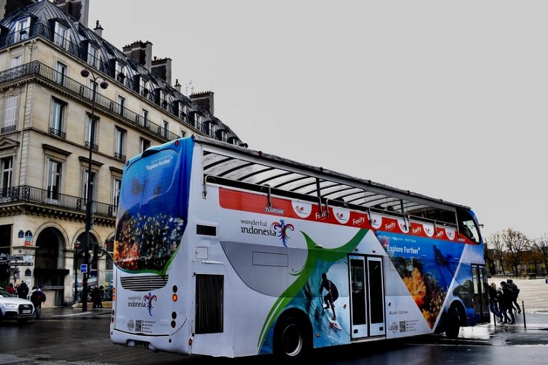 Paris larang bus turis masuk pusat kota