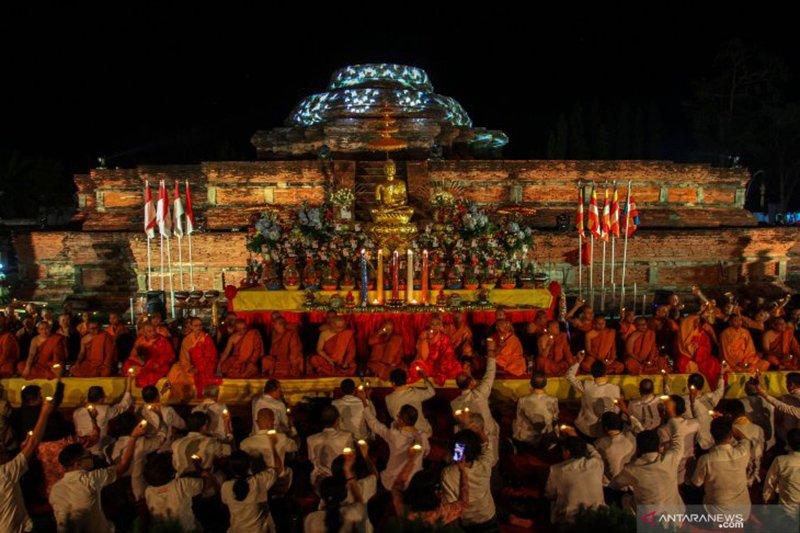 Perayaan Waisak di Candi Muara Takus Riau