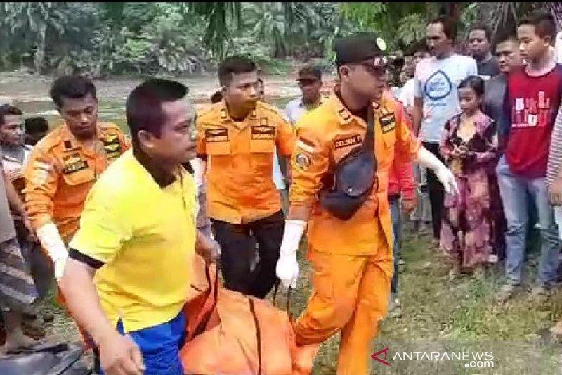 Tim SAR temukan warga dua hari hilang di Sungai Kampar