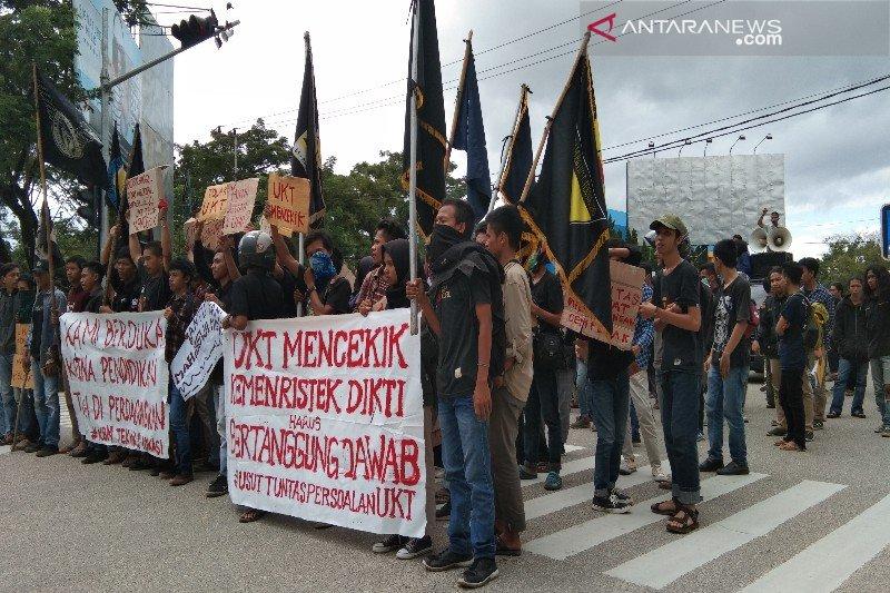 Kembali, mahasiswa UHO demo tolak UKT