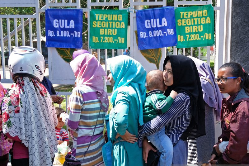 Pesantren Tahfidz Palembang gelar bazar sembako
