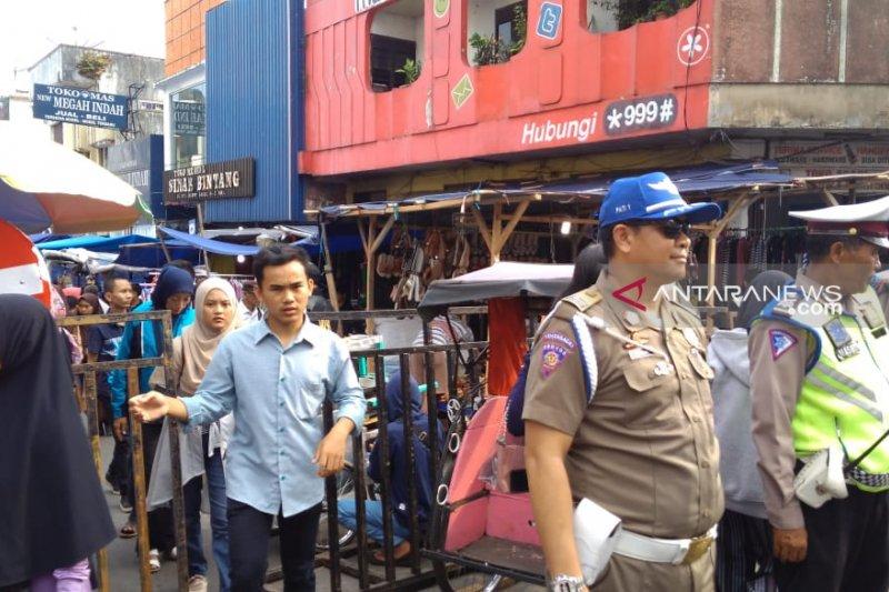 Mendekati Lebaran Polantas larang kendaraan masuk ke Jalan Harun Kabir