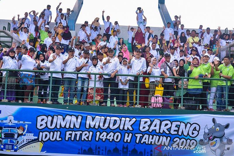 1.080 warga ikut mudik gratis bareng PTPN V