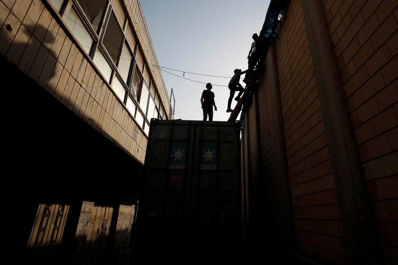 Pasukan Israel menembak mati remaja Palestina
