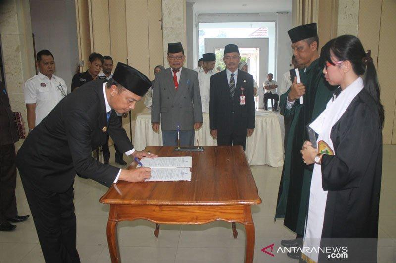 15 pejabat di Pemkab Sukamara dimutasi