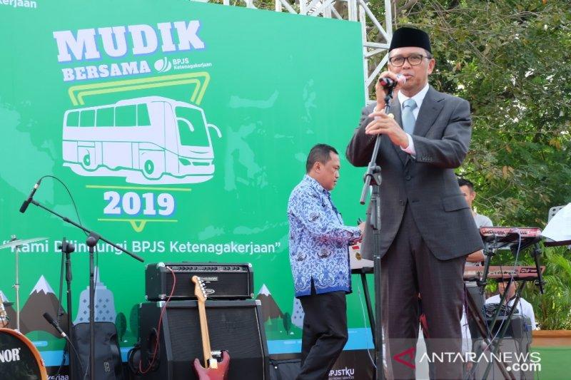 BPJS Ketenagakerjaan berangkatkan 1.000 pemudik dari Makassar
