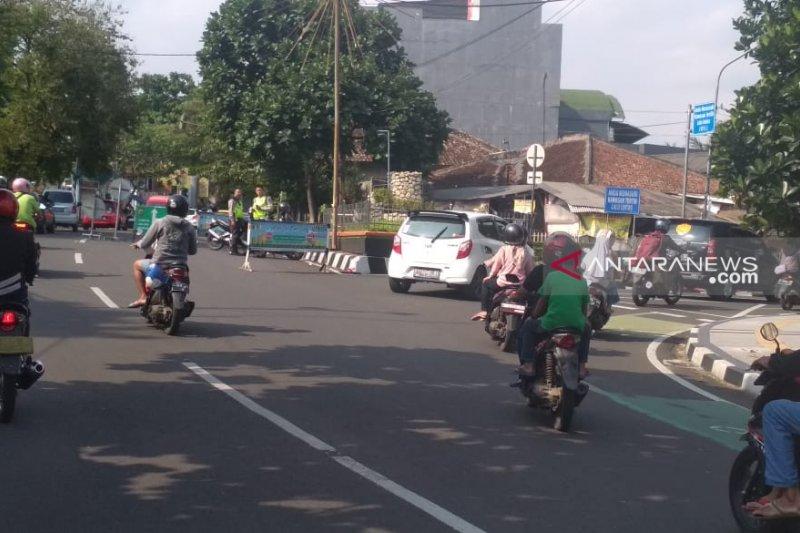 Rekayasa arus lalu lintas dilakukan secara situasional