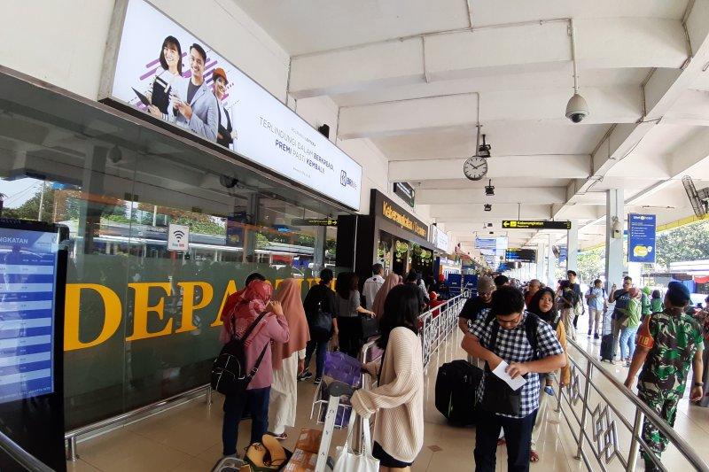H-3 Lebaran, volume penumpang di Bandara Halim meningkat signifikan