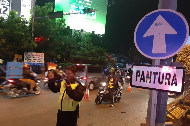 Pemudik bermotor mulai ramai di jalur Kalimalang Bekasi