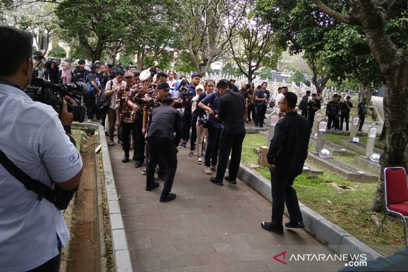 Paspampres sempat sterilkan lokasi makam Ani Yudhoyono
