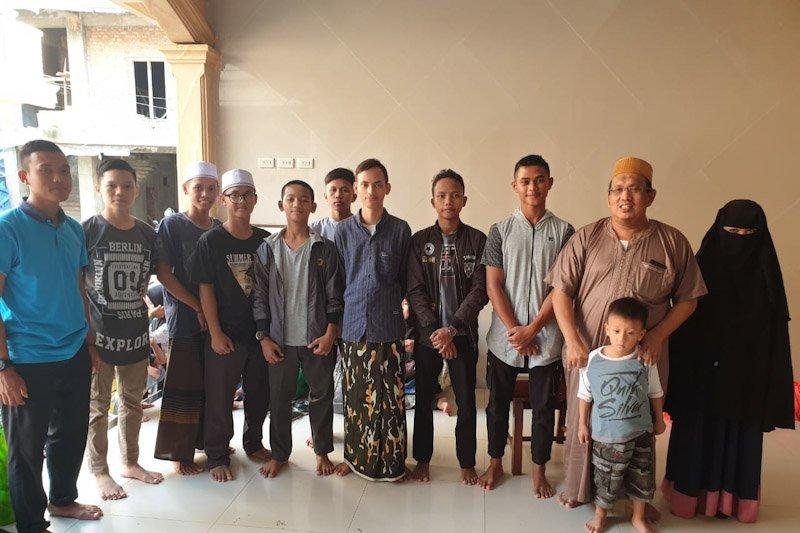 Ponpes Riyadus Sholihin motivasi anak yatim menghafal Al Quran